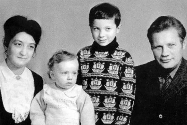 Агата Кристи – биография, фильмы, фото, личная жизнь, последние новости 2019