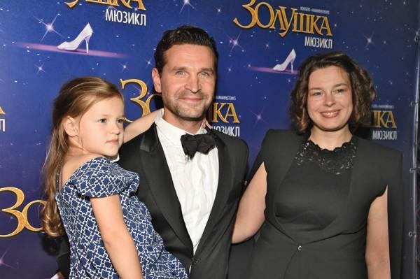 Виктор Добронравов – биография, фильмы, фото, личная жизнь, последние новости 2019