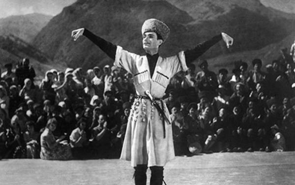 Махмуд Эсамбаев – биография, фильмы, фото, личная жизнь, последние новости 2019